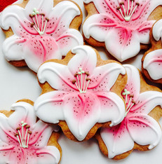 Stargazer lily iced biscuits