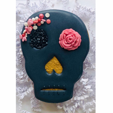 Elegant Day of the Dead mask biscuit