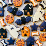 Cute haunted house biscuits