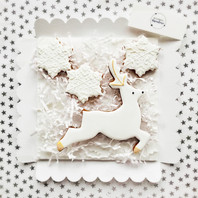 Stag and snowflakes biscuit set