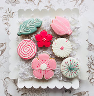 Pretty in Pink iced biscuits