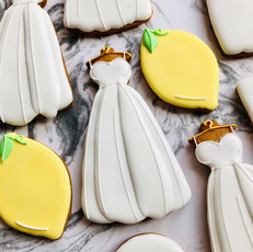 Gift biscuits for a couple planning a wedding in Tuscany