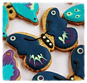 Butterfly iced biscuits for Isabella and Emilia