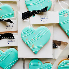 Green heart iced biscuit favours