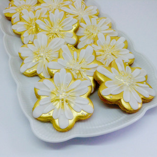 Gold flower iced biscuits for Golden Wedding Anniversary
