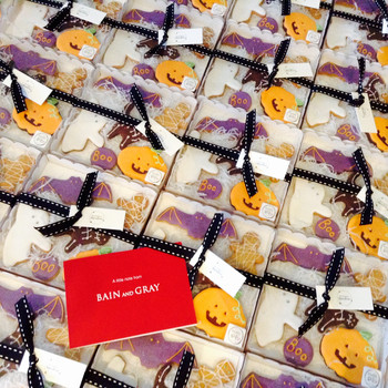 Cute Halloween bespoke corporate hand iced biscuit gifts