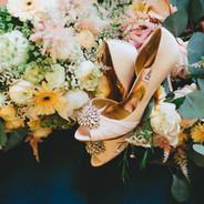 Beautiful Details | Bridesmaid Bouquets | Bride Bouquet | White Ranunculos | Garden Roses | Pink Astilbe | Gerber Daises | Eucalyptus | Queen Ann Lace