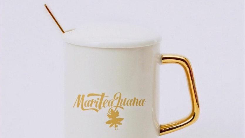 White custom ceramic tea/coffee/gift mug with lid and spoon 380ml