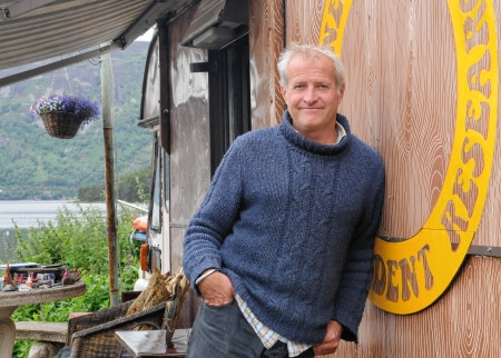 Stopped in to meet Steve Feltham, full-time Nessie Hunter on Dores Beach, Loch Ness since 1991. Steve is a wealth of knowledge about Scotland, The Loch Ness and whatever might be swimming within its waters.