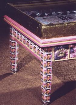 Detail Legs Elvis Table