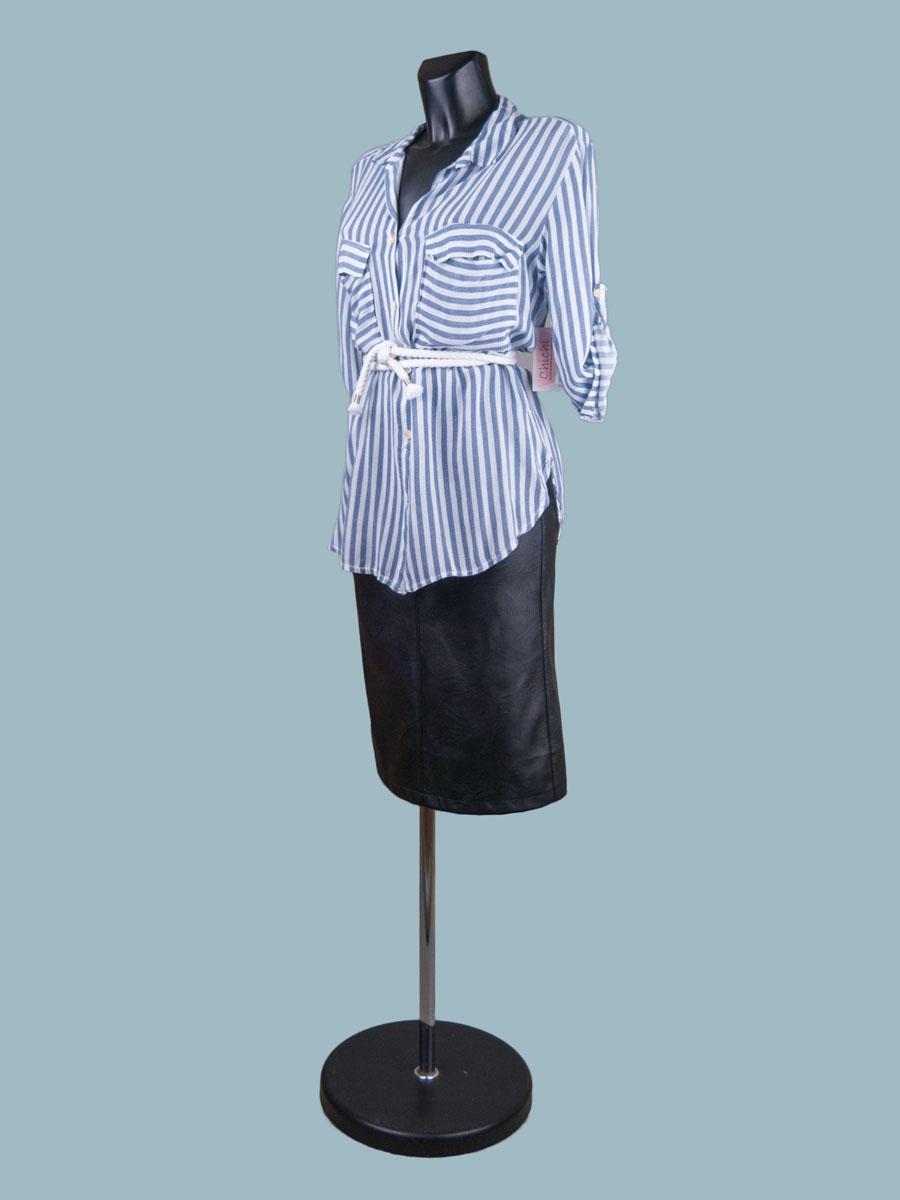 Белая блузка с рукавом в полоску