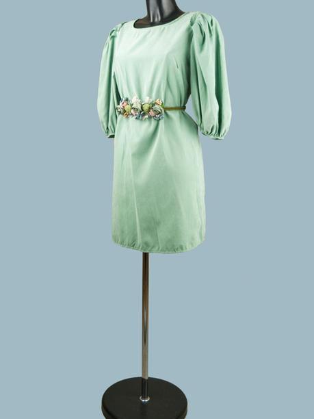 Платье с широкими рукавами мятное