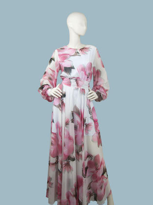 Вечернее платье с крупными цветами