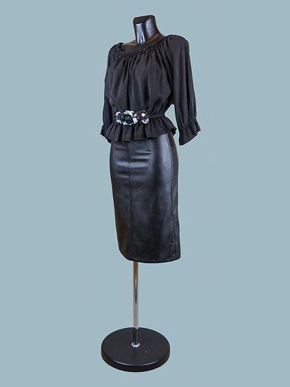 Летняя короткая блузка с укороченными рукавами черная