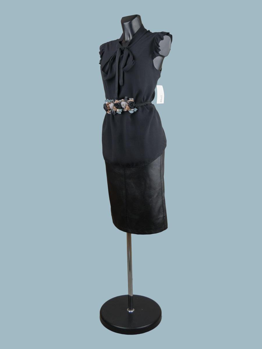 Летняя блузка с бантом черная