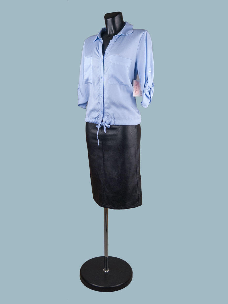 Летняя короткая блузка с рукавом и завязкой внизу голубая