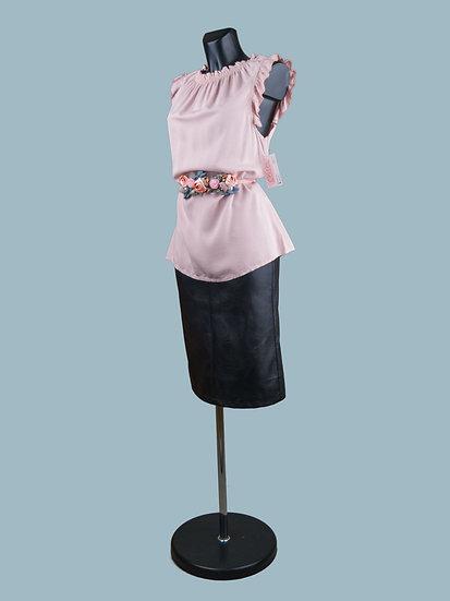 Летняя удлиненная розовая блузка без рукавов
