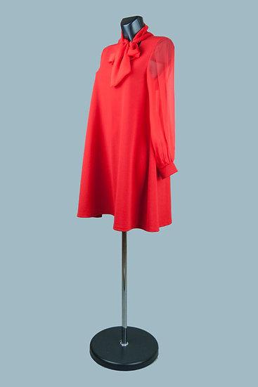 Расклешенное платье с бантом на воротнике. Размер: 42-46. Италия.