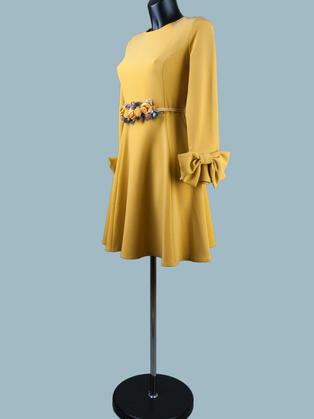 Платье с пышной юбкой  желтое 1753