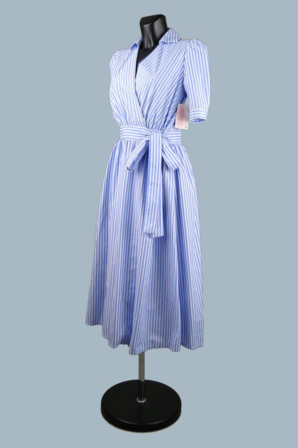 Платье  в голубую полоску с запахом 1939