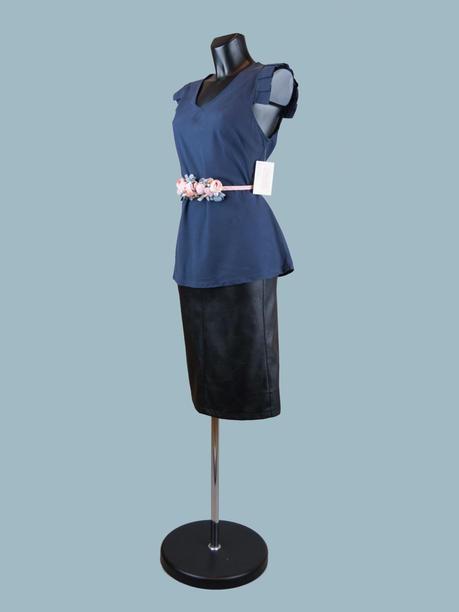 Летняя блузка без рукавов с крылышками синяя