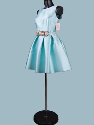 Нарядное  приталенное платье голубое с пышной юбкой 134022
