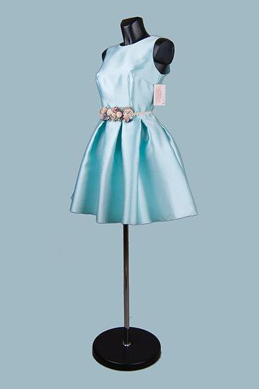 Нарядное  приталенное платье голубое с пышной юбкой