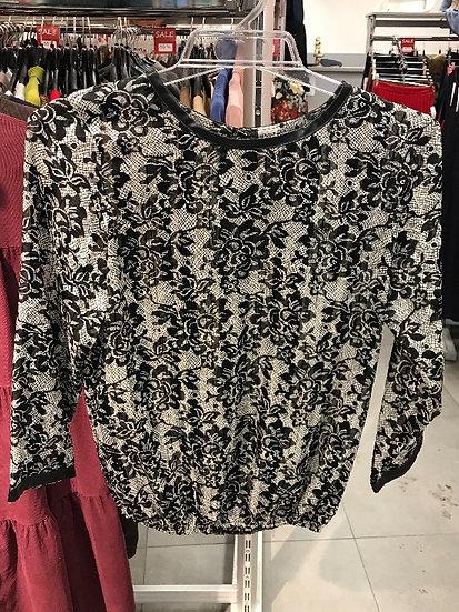 Нарядная женская блузка серая с черным узором