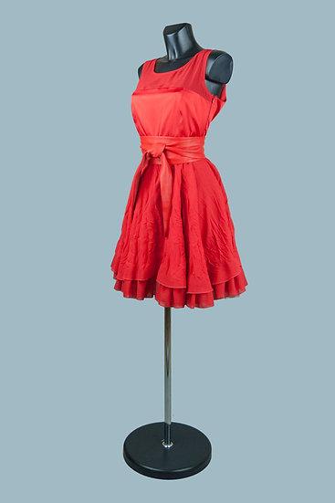 Нарядное красное платье с пышной юбкой. Польша. Размер: 44-48