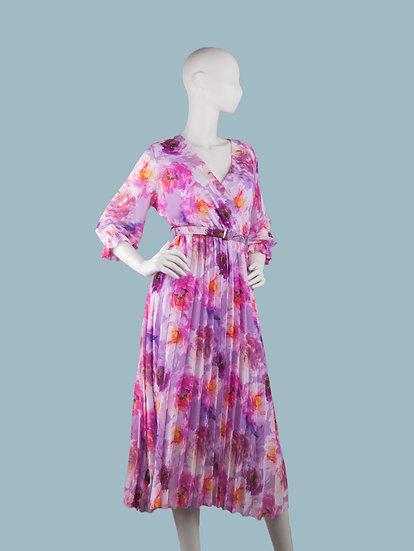 Шифоновое платье максина подкладке с запахом сиреневое с цветамис гофрированной юбкой. Италия. Размер: 42-48