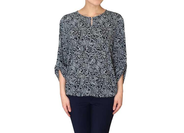 Нарядная синяя женская блузка с белым узором 101504