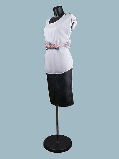Летняя блузка со спущенным коротким рукавом белая