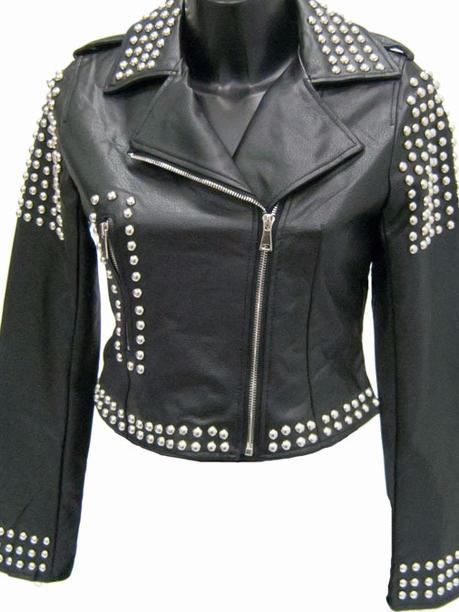 Куртка косуха с клепками из эко кожи черная 140402