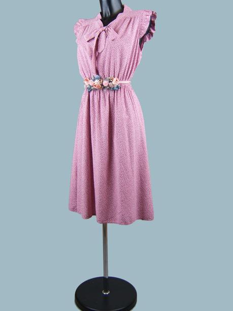 Платье с бантом в горошек малиновое