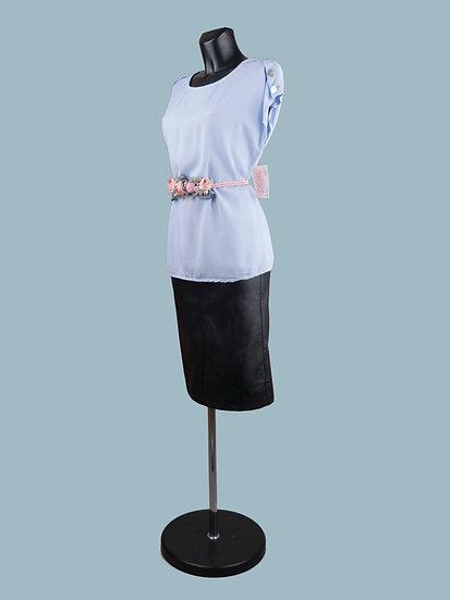 Летняя блузка со спущенным коротким рукавом голубая