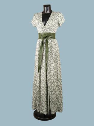 Легкое летнее длинное платье с цветочным принтом зеленое