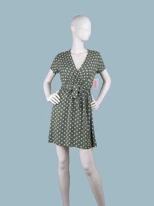 Короткое платье с запахом в горошек зеленое