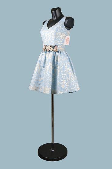 Короткое пышное платье голубое для выпускного