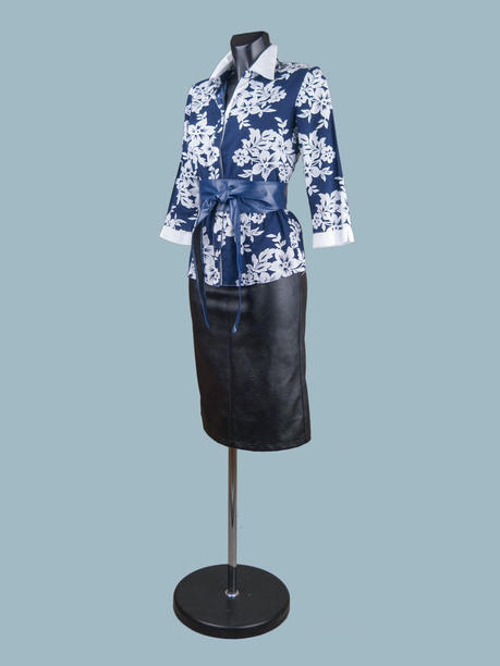 Синяя хлопковая блузка с рисунком
