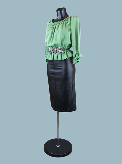 Летняя короткая блузка с укороченными рукавами зеленая