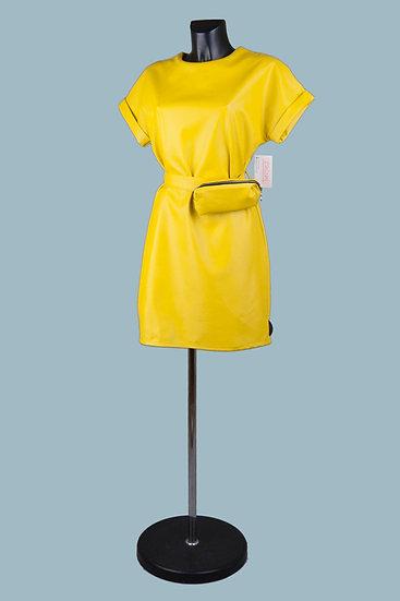 Нарядное кожаное платье желтоес напоясной сумкой.Экокожа. Италия. Размер: 42-48