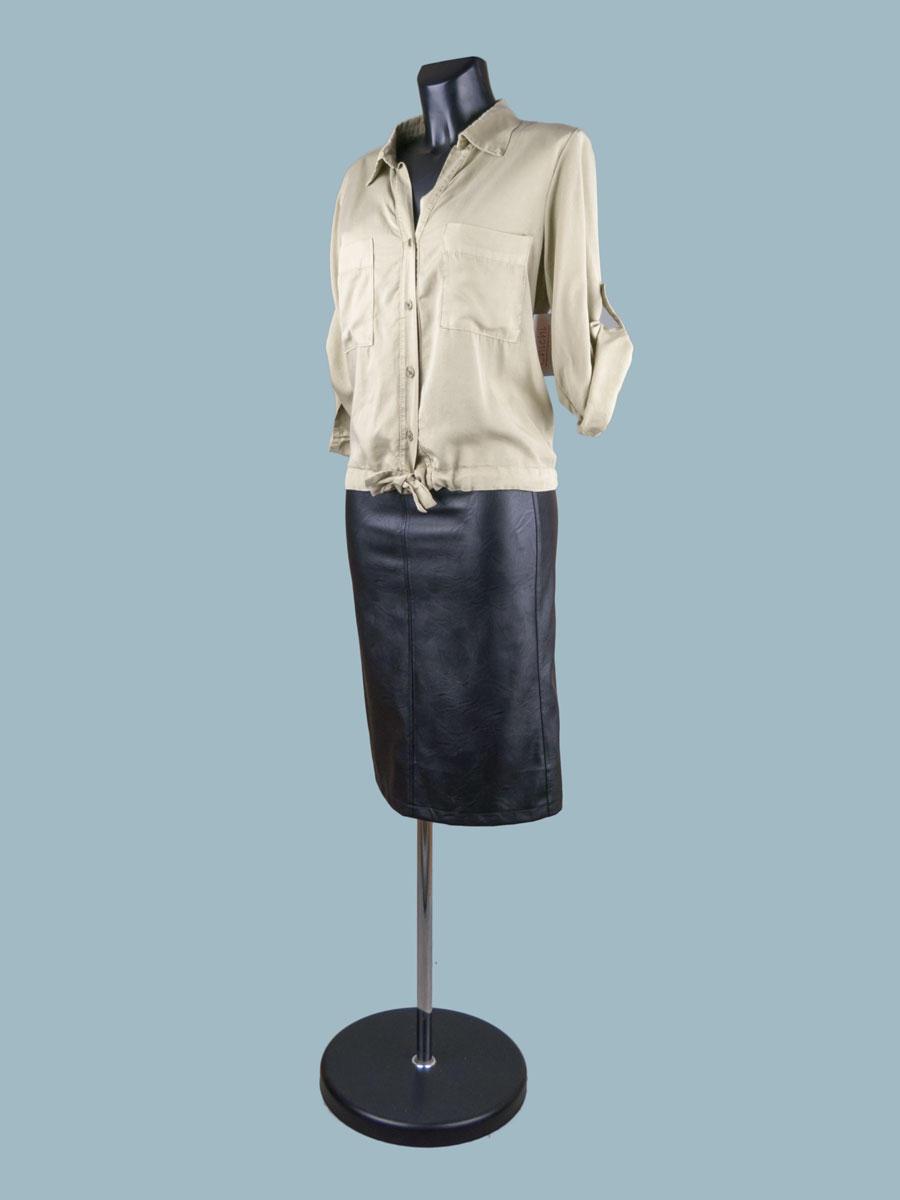 Летняя короткая блузка с рукавом и завязкой внизу фисташковая