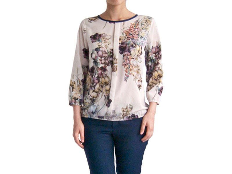 Нарядная блузка молочная c цветочным рисунком 100143