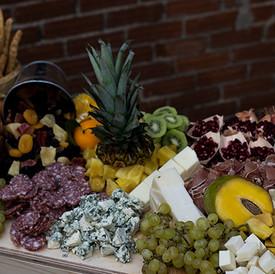 φθινοπωρινή πιατελα τυριών αλλαντικών