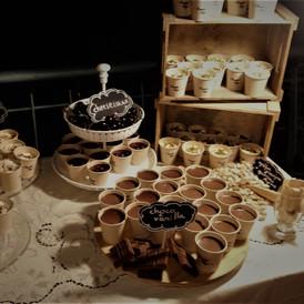 ποικιλία γλυκών σε πάρτυ γάμου