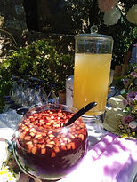 χειροποίητη σαγκρια και λεμονάδα.jpg