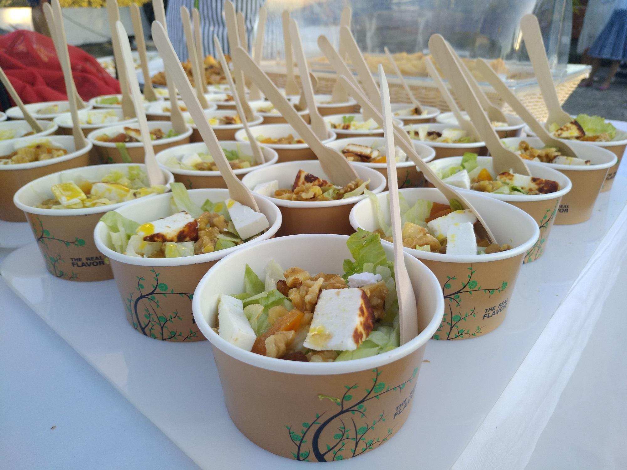 σαλάτα με ψητό μανούρι