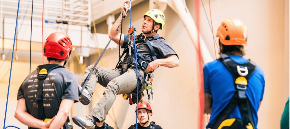 Rope ascent