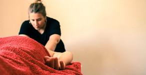 Lomi Lomi Massage - entspann dich auf dem hawaiianischen Weg