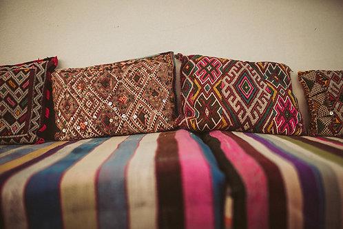 Marokkanisches Vintage Kissen im traditionellen Kilim Style